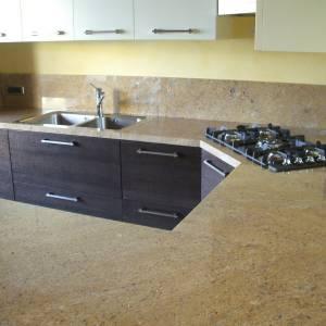 category-25-Piano-cucina-in-granito-Kashmire-Gold_resize-JPG Progetti - Marmi Braga